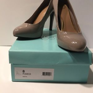 Jessica Simpson heels , size 8 in pumice color.